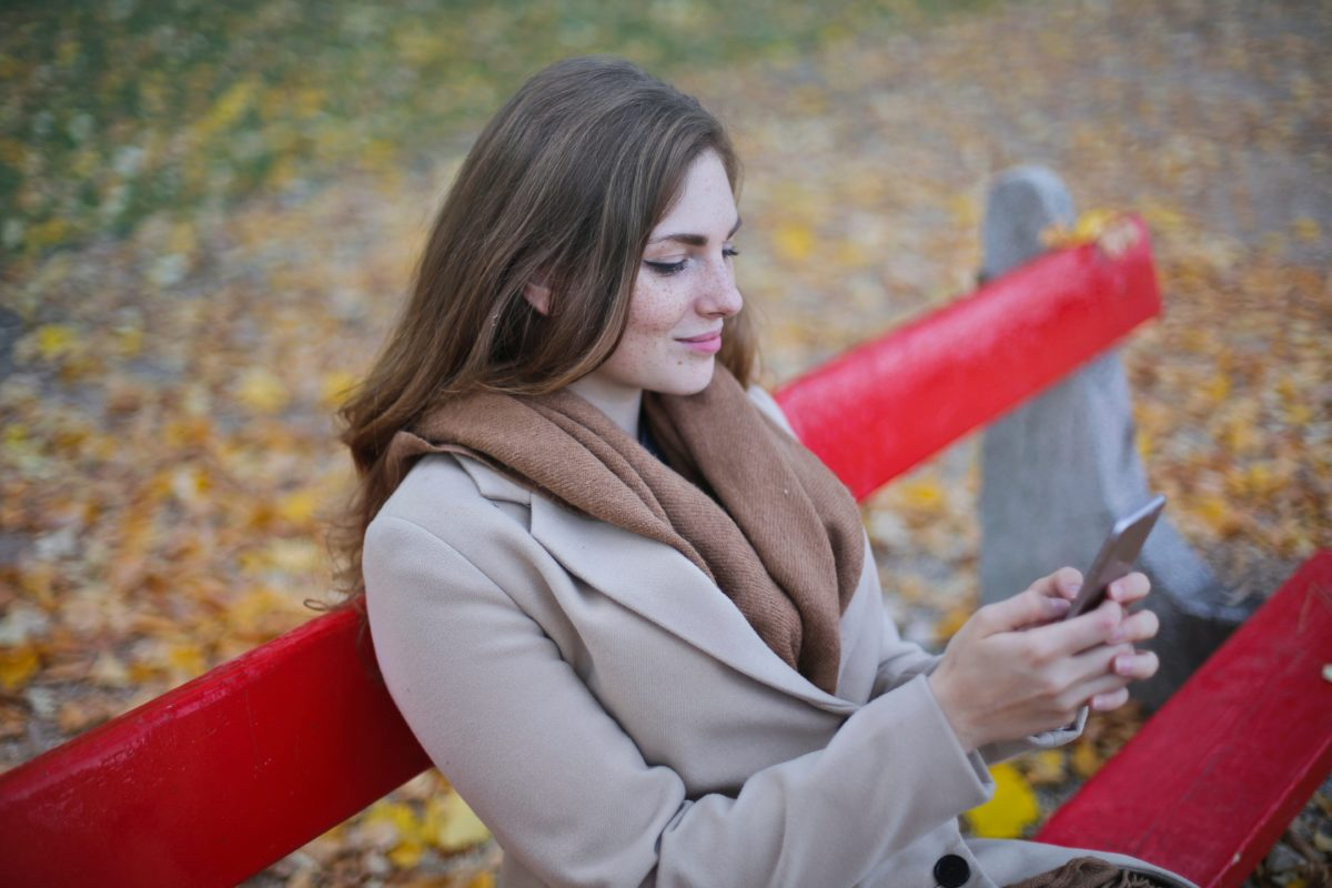 Do-not-let-smartphone-ruin-your-love-life